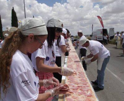 La pizza más larga del mundo en Tomelloso, Record Mundial [Reportaje]