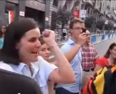 """Cántico al Papa, versión hardcore: """"¡Benedicto, equis, uve, palito!"""""""