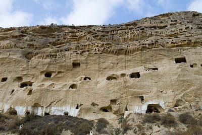 Un deslizamiento de tierra deja enterradas las casas-cueva de Cuevas de Almanzora