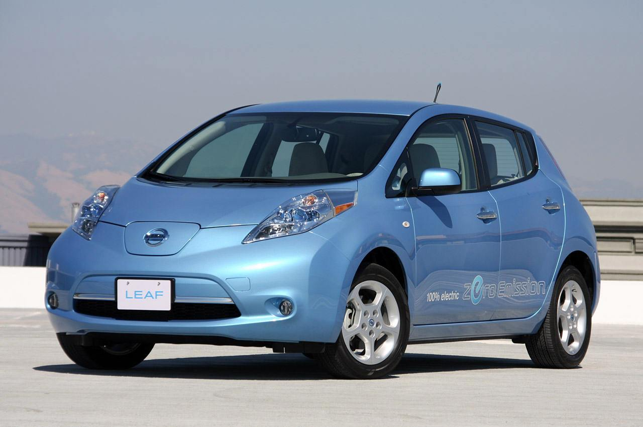 nissan leaf el primer compacto de 5 plazas 100 el ctrico. Black Bedroom Furniture Sets. Home Design Ideas