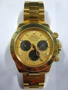 Un barrendero encuentra un reloj valorado en 25.000 euros y lo entrega a la policía