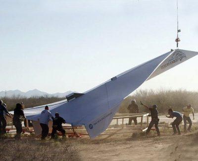 El avión de papel más grande del mundo