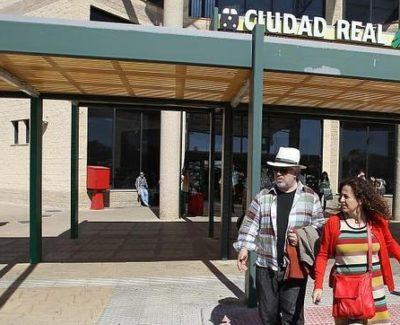 Pedro Almodovar rueda su nueva película en el Aeropuerto de Ciudad Real