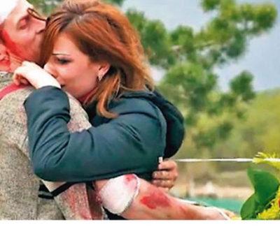 Un hombre finge su propia muerte para comprobar si su novia lo ama