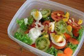 Tuppers en los colegios: consejos y ejemplos de menús equilibrados según la OCU