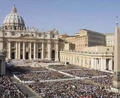 La fumata blanca del Vaticano: ¿cómo la hacen?
