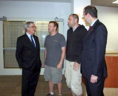 Whatsapp recibe en pantalón corto al alcalde de Barcelona
