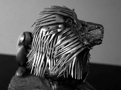 esculturas-cubiertos-bacinerias-04