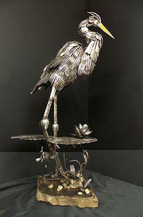 esculturas-cubiertos-bacinerias-07