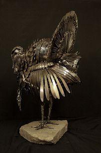 esculturas-cubiertos-bacinerias-11