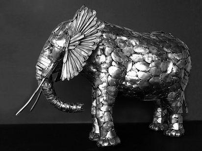 esculturas-cubiertos-bacinerias-12