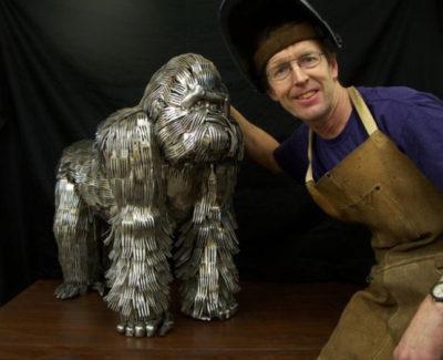 Esculturas de animales hechas con cubiertos, verdaderas obras de arte