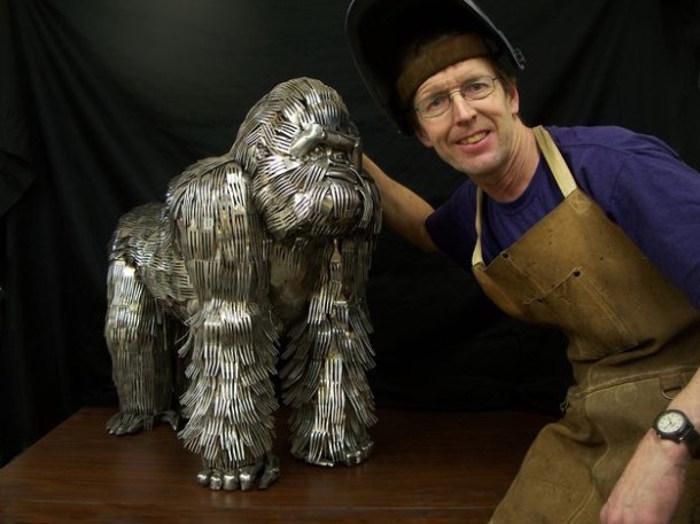 esculturas-cubiertos-bacinerias-13