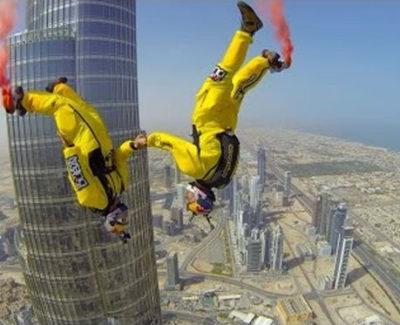 Saltando desde el edificio más alto del mundo, el Burj Khalifa
